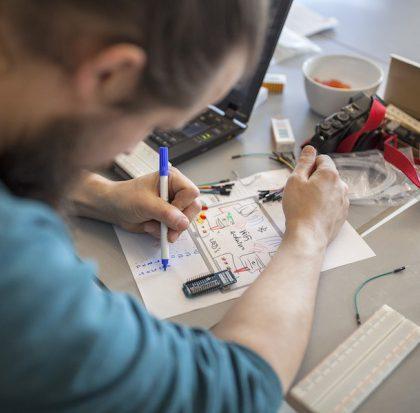Hackathon: IoT in der politischen Bildung